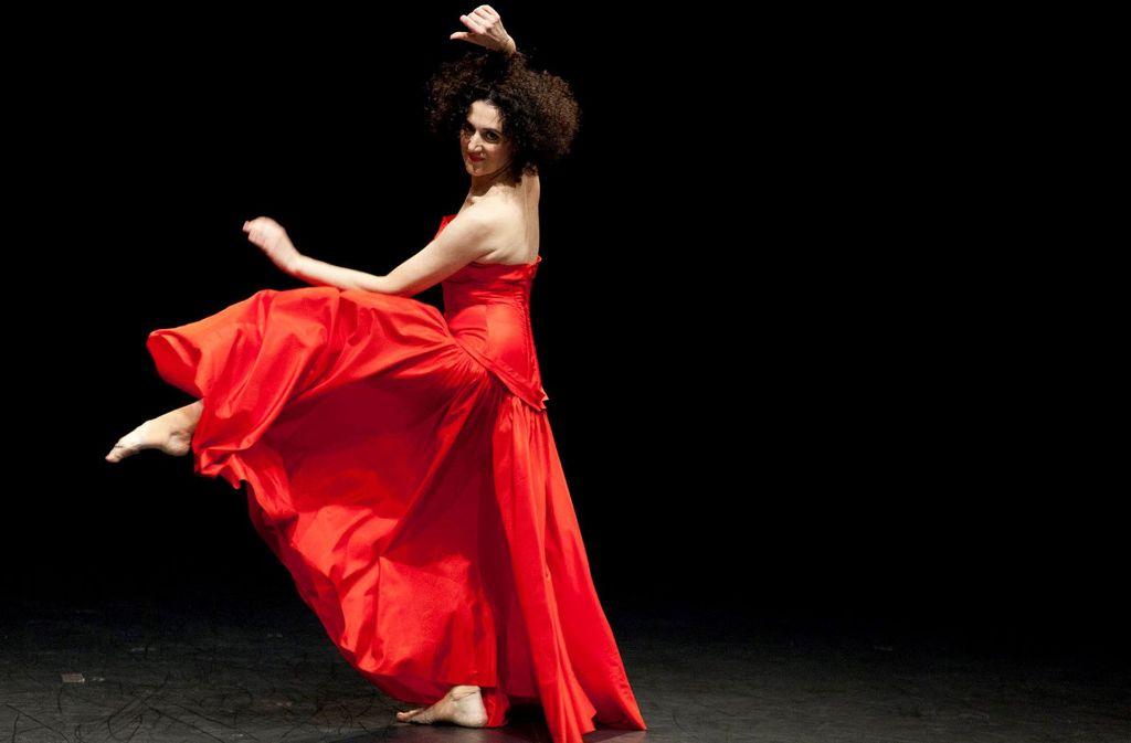 Cristiana Morgana erzählt tanzend von Pina Bausch. Foto: Il Funaro