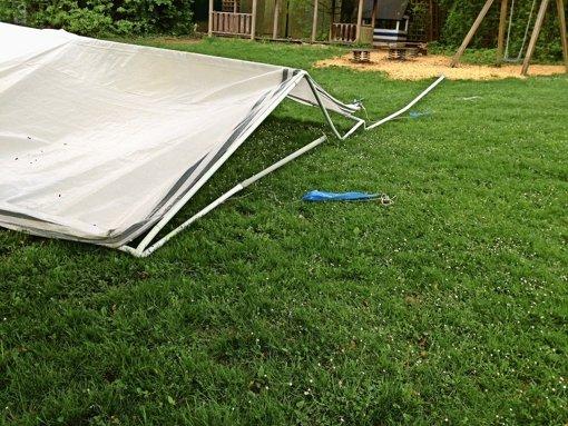 Verwüstete Zelte