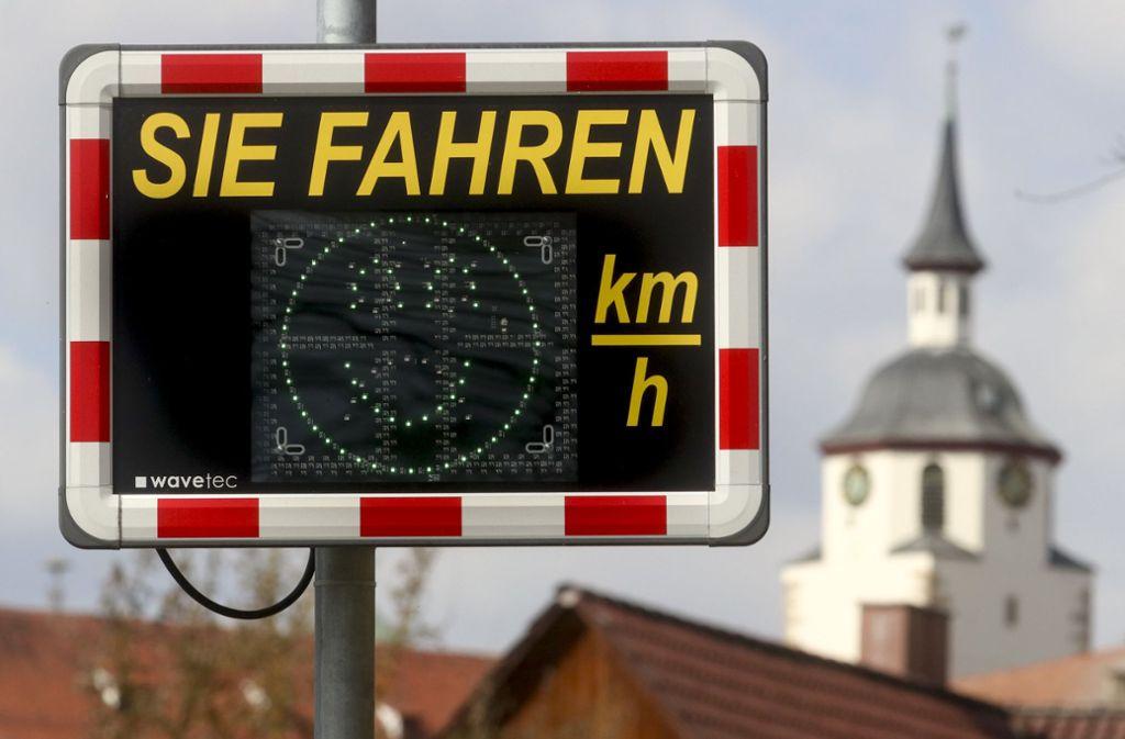 An der Nürtinger Straße in Waldenbuch gilt Tempo 30. Daran halten sich aber viele nicht. Foto: factum//Simon Granville
