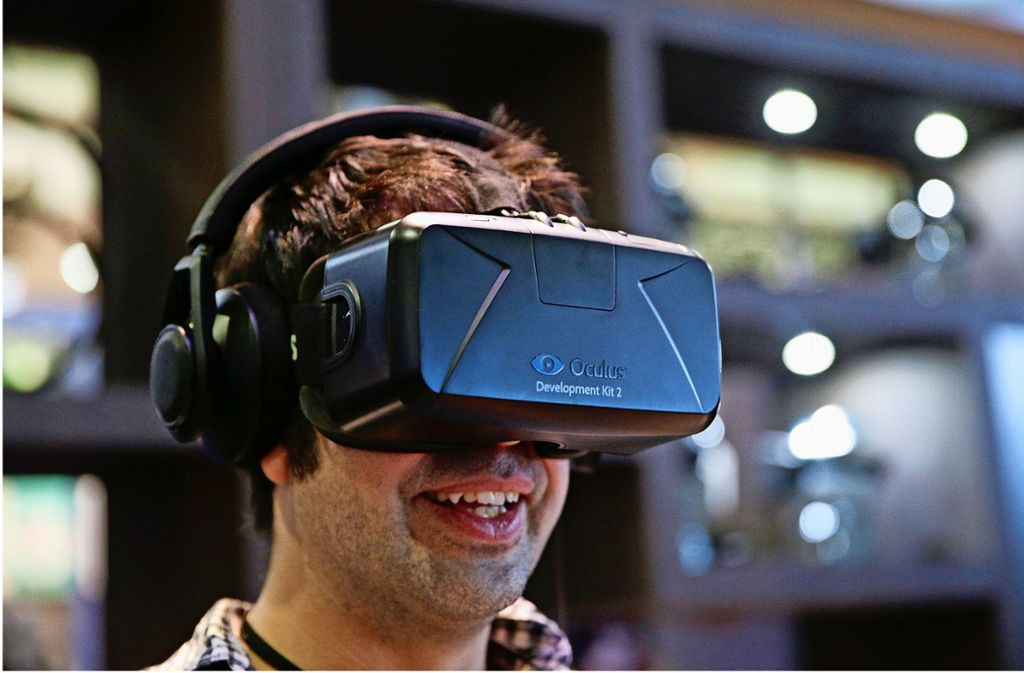 Per VR-Bille in die Blautopfhöhle – der SWR macht es möglich. Foto: AP