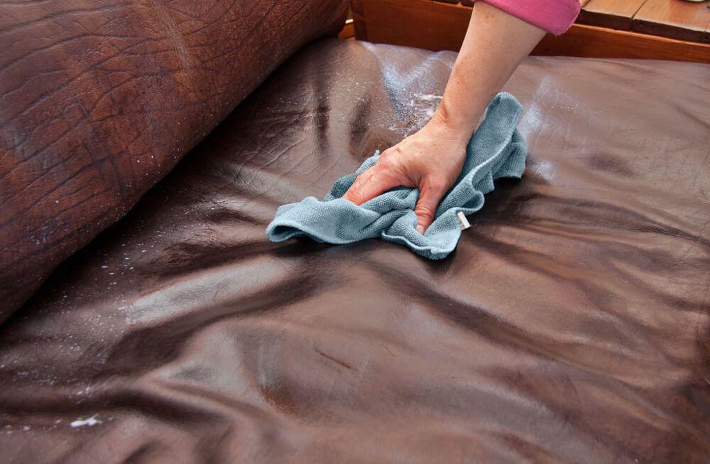 So verschwinden die Flecken wieder. Foto: Daleen Loest /shutterstock.com