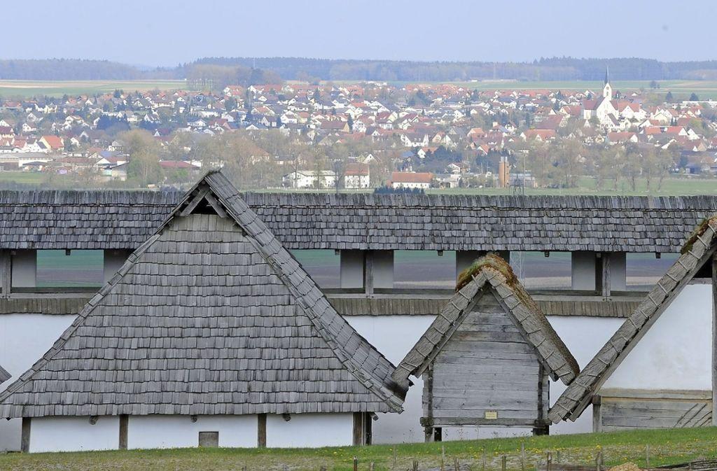 Ein Freilichtmuseum bei der Heuneburg gibt es schon, doch das Land will hier ganz groß einsteigen und ein Erlebniszentrum bauen. Foto: dpa