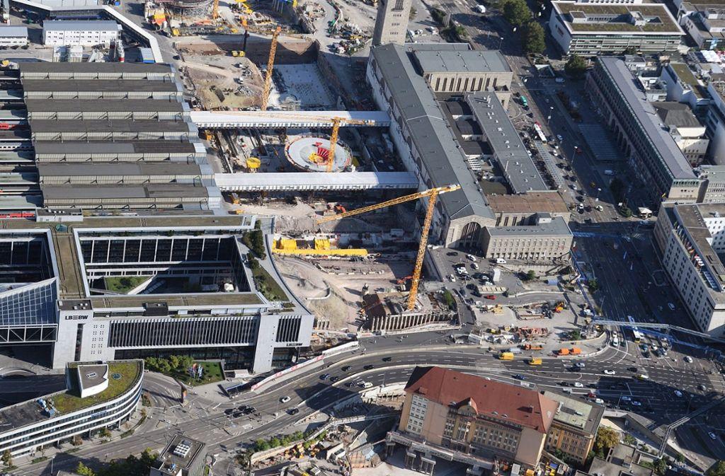 Die Bauarbeiten am Hauptbahnhof betreffen auch das Umfeld. Foto: dpa