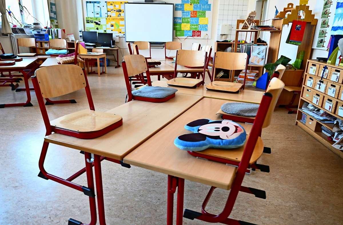 Der Dreijährige war in einer Grundschule aufgetaucht. (Symbolbild) Foto: dpa/Arne Dedert