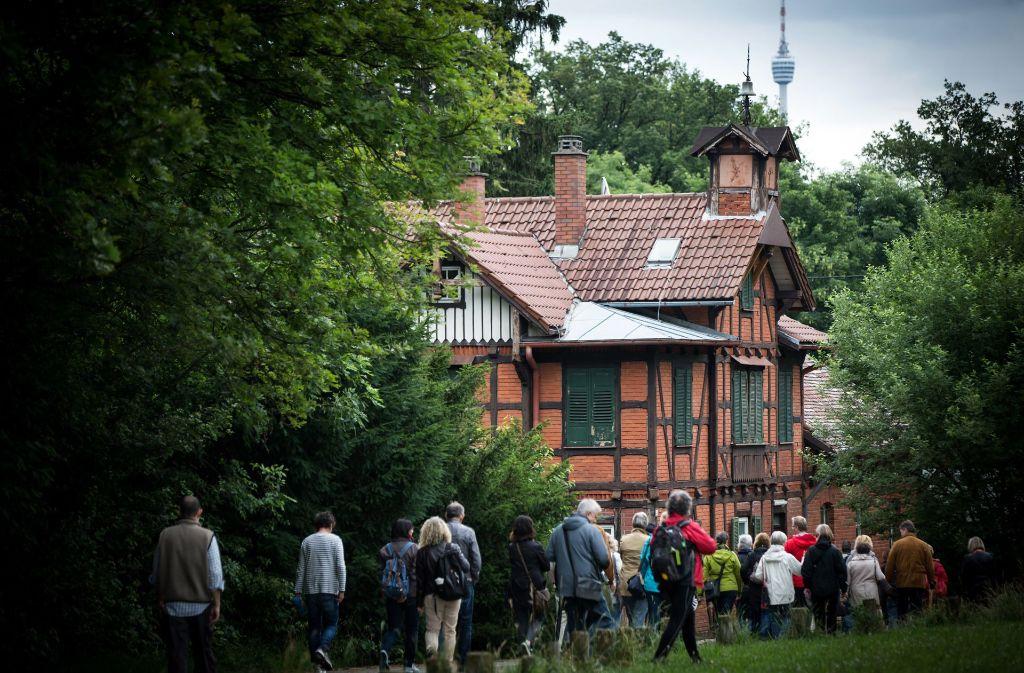 Die Initiative Garnisonsschützenhaus hat immer wieder zu Spaziergängen eingeladen – die immer sehr gut besucht. Foto: Lichtgut/Achim Zweygarth