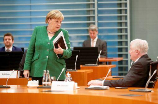 Angela Merkel und Horst Seehofer für Aufnahme weiterer Flüchtlinge