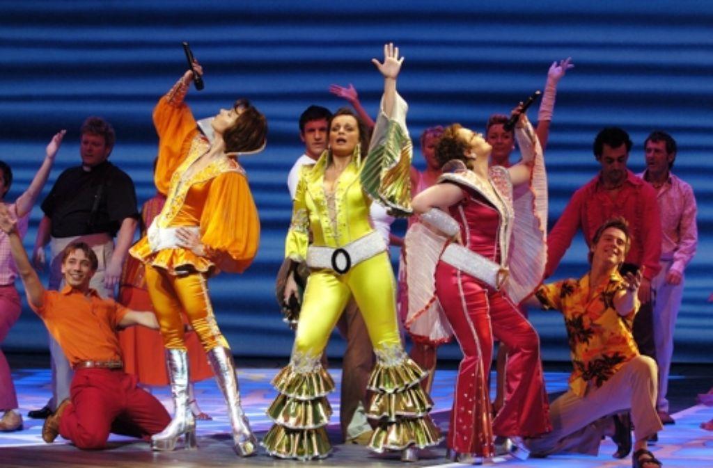 Auf der Bühne schillert das Musical, doch in der Realität ist die Branche beinhart. In der Bilderstrecke sehen Sie, welche Musicals bereits in Stuttgart aufgeführt wurden und welche aktuell zu sehen sind. Foto: dpa
