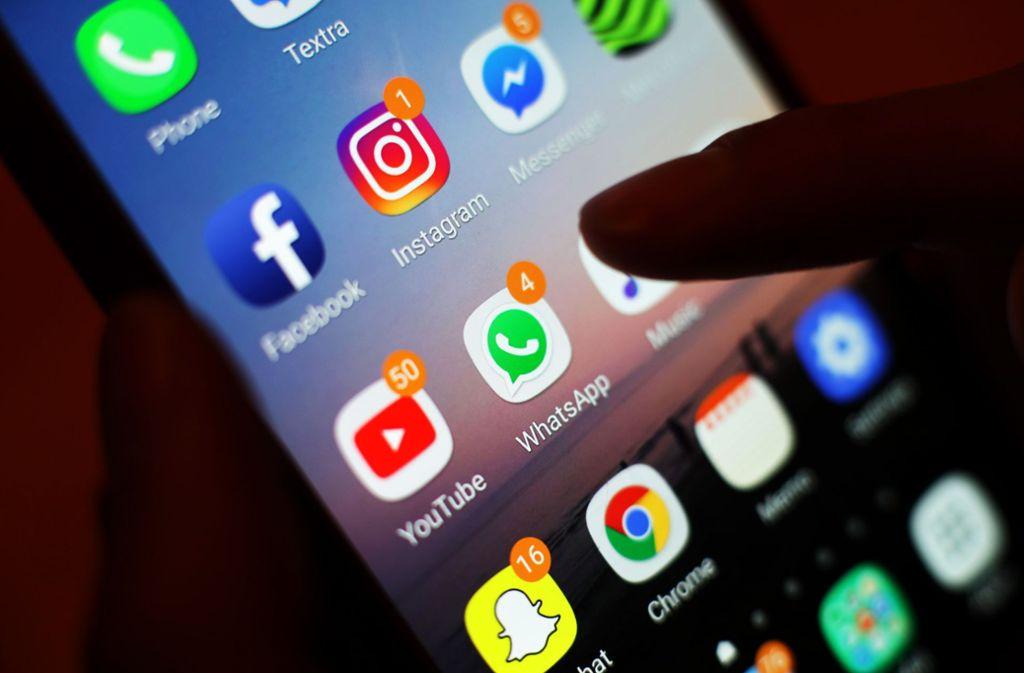 Instagram und Whatsapp sind auf zahlreichen Smartphones zu finden. Foto: Yui Mok/PA Wire/dpa
