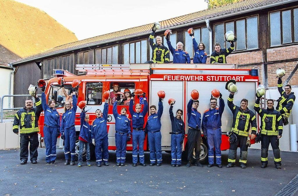 Eine starke und fröhliche  Truppe: die Jugendfeuerwehr Hedelfingen. Foto: Beuß (z)