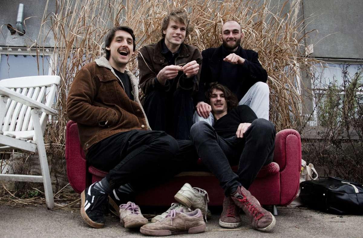 Klassische Rockband, aber bitte nicht mit Schuhen aufs Sofa: The Dirty Waters Foto: privat/The Dirty Waters