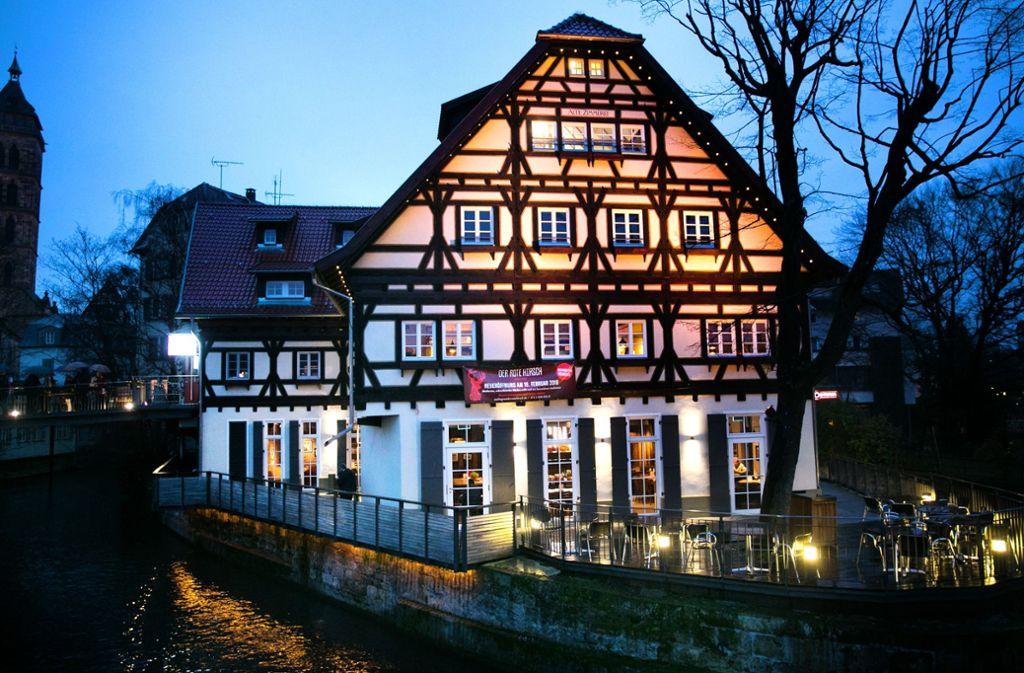 Der Rote Hirsch aus Bad Cannstatt ist in die Alte Zimmerei nach Esslingen gesprungen. Foto: Ines Rudel