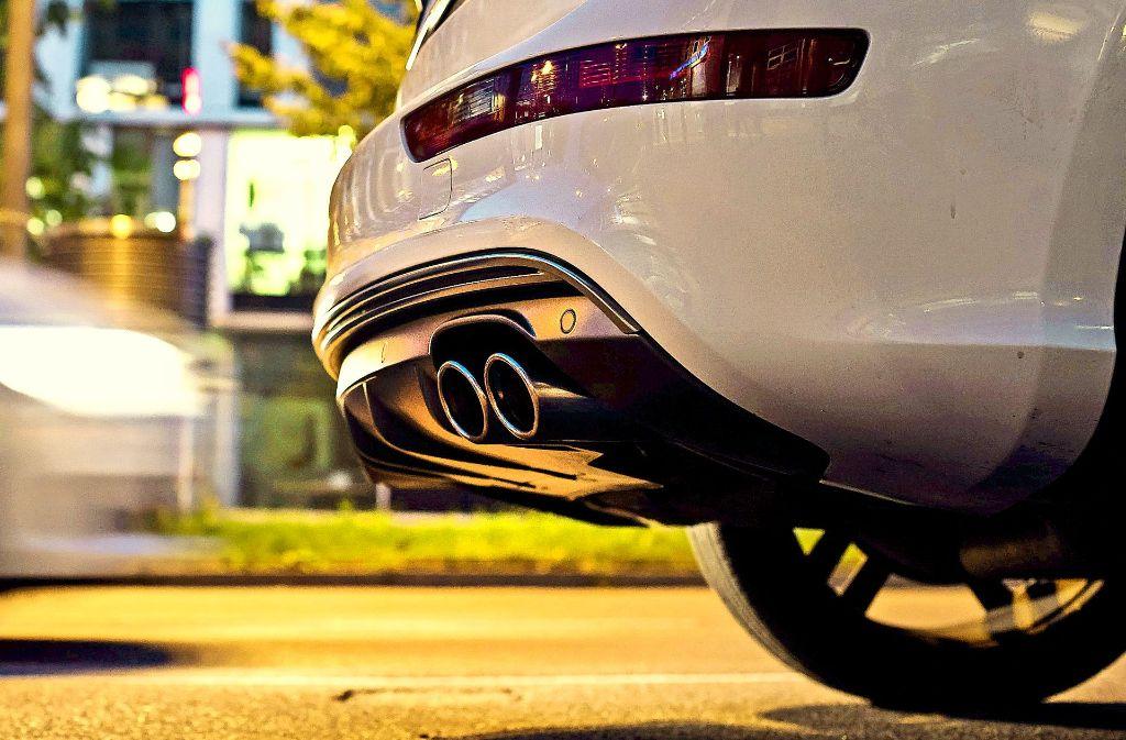 Abgase und Reifenabrieb sind zwei Komponenten für die Schadstoffbelastung in der Luft. Foto: Lichtgut/Max Kovalenko