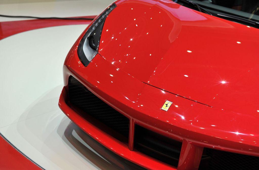 Welches Image ein Ferrari seinem Fahrer oder seiner Fahrerin verleiht, hat jetzt eine Unternehmensberatung erforscht. Foto: Getty Images Europe