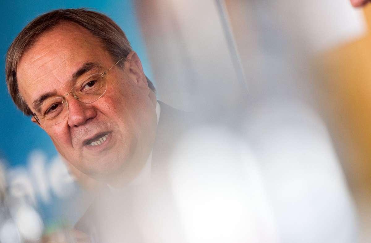 Mit wem zieht Armin Laschet in die finale Wahlkampfphase? Foto: dpa/Federico Gambarini