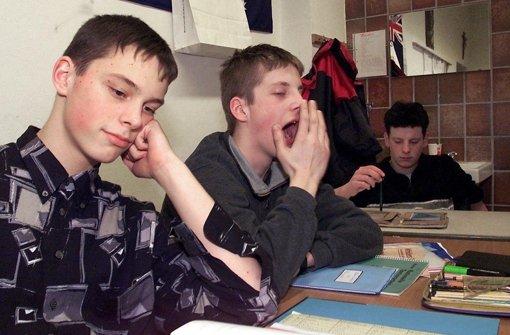 Für viele Jugendliche ist der frühe Unterricht eine Qual. Foto: dpa