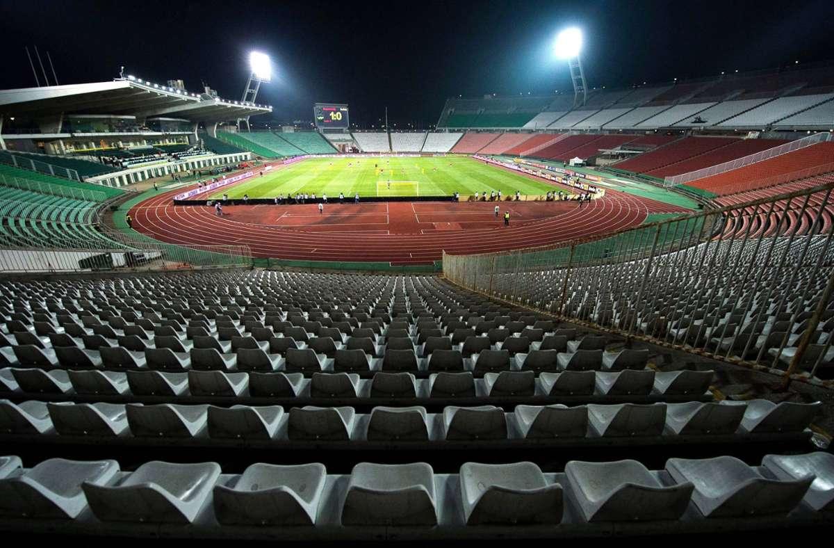 Leere Ränge oder volles Stadion in Budapest: Einige Bayern-Fans wollen nicht ins Corona-Risikogebiet reisen. Foto: dpa/Tibor Illyes