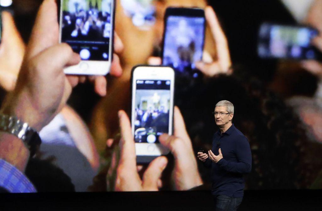Tim Cook gab am 7. September 2016 Neuerungen zum iPhone 7 bekannt. Am Dienstag folgt sein nächster Streich. Foto: AP