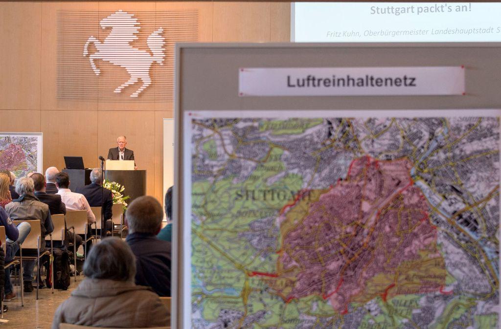 Lang wurde über den Luftreinhalteplan diskutiert, jetzt macht das Land beim Fahrverbot einen Rückzug. Foto: dpa