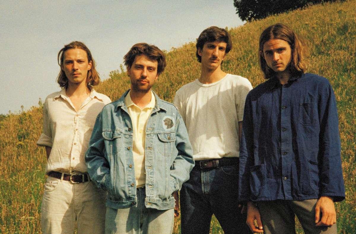 Seit Schultagen nicht nur Freunde, sondern auch Musikkollegen: Ferdinand Hübner, Sam Baisch, Sascha Scherer und Chris Ronge (v. l.). Foto: Lisa Nguyen