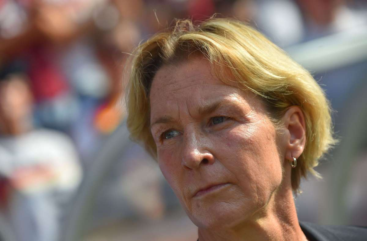 ImVergleich zum 3:0 gegen Irland am Samstag schickte Bundestrainerin Voss-Tecklenburg eine fast komplett neue Startelf auf das Spielfeld. Foto: AFP/LOIC VENANCE