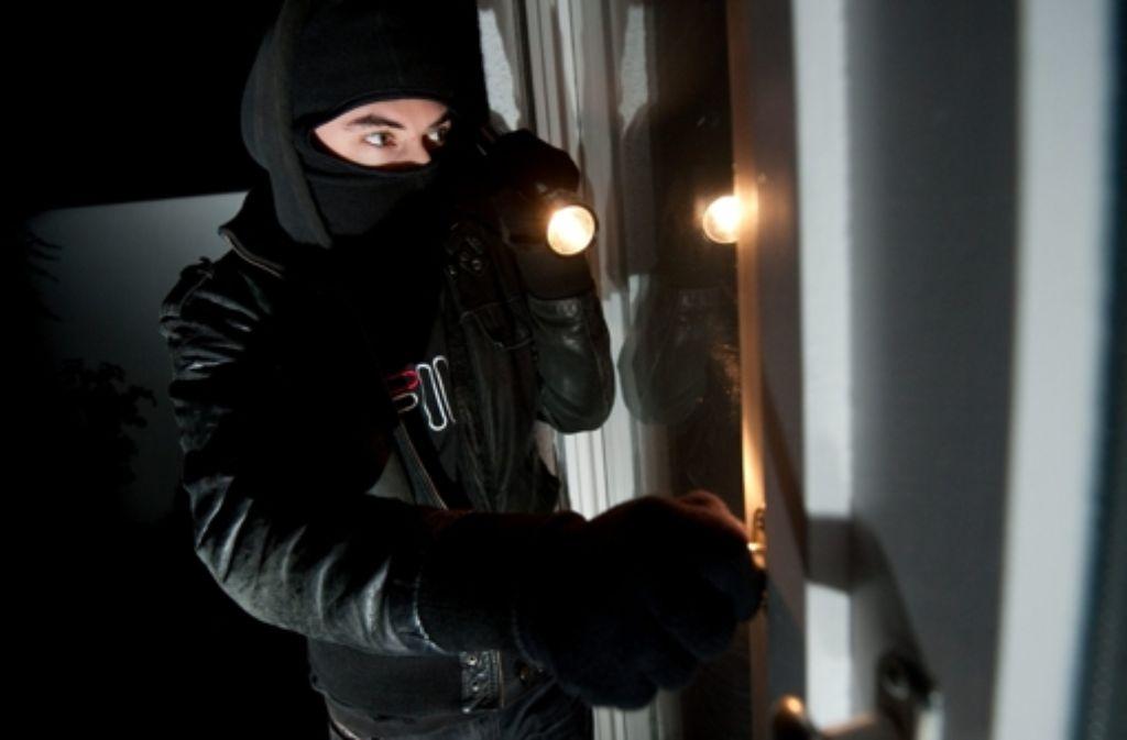 Die Bande soll in Stuttgart in 100 Wohnungen eingebrochen sein. Foto: dpa