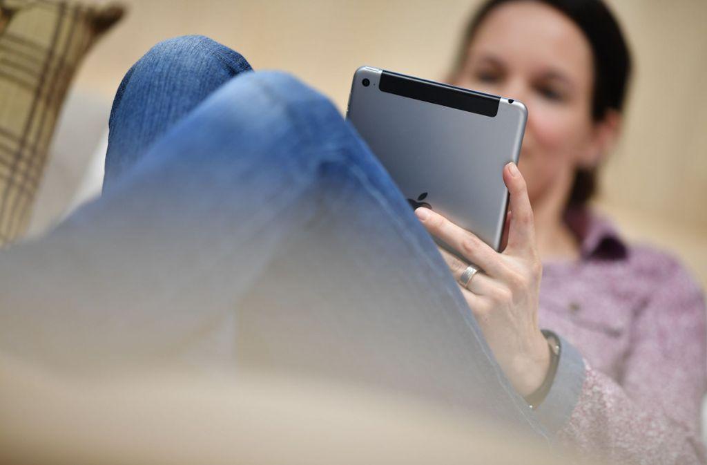 Der erste Schritt in Online-Singlebörsen: Jedes Mitglied legt ein Profil mit Fotos, persönlichen Angaben und einer Selbstdarstellung an (Symbolbild). Foto: dpa/Felix Kästle