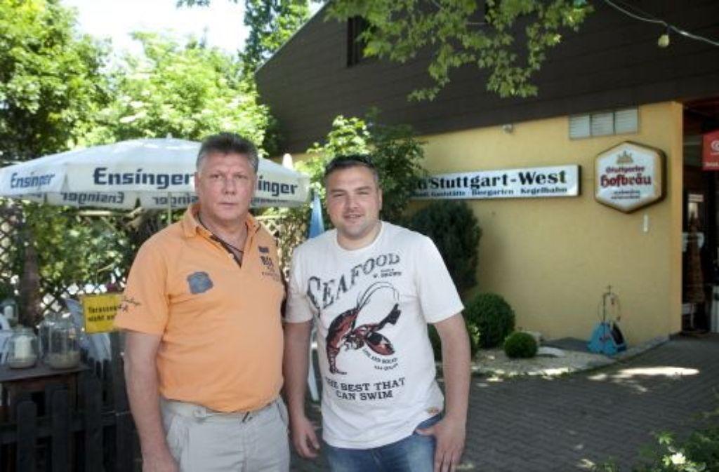Für Klaus Münzing (links) und Slaven Matijevic ist Fußball eine Leidenschaft. Foto: Rudel