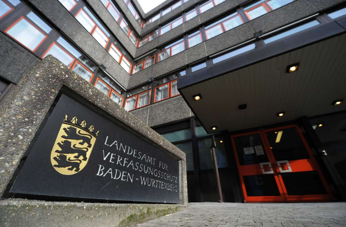 Das Landesamt für Verfassungsschutz ist durch die Aktivitäten der Grauen Wölfe in Stuttgart beunruhigt. (Archivbild) Foto: picture alliance / dpa/Marijan Murat