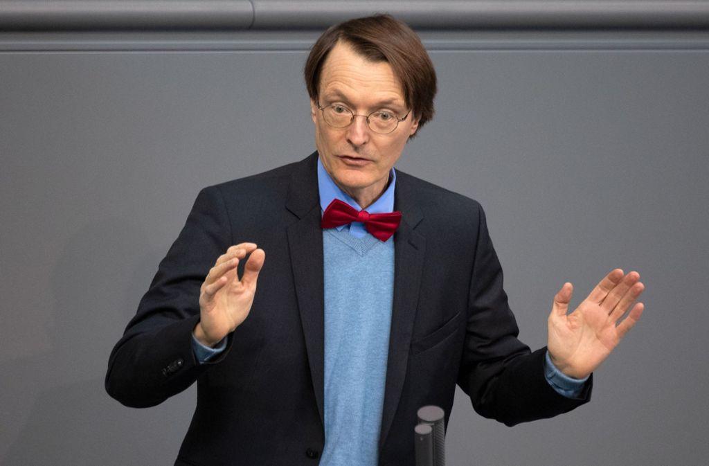 Karl Lauterbach spricht sich für eine Absage des Dschungelcamps aus. Foto: Ralf Hirschberger/dpa