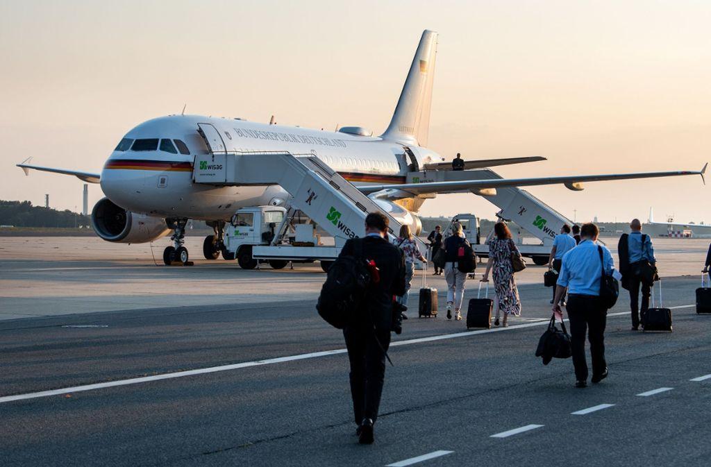Wegen eines technischen Defekts mussten Steinmeier und seine Begleiter in Berlin von einem Airbus A321 auf eine kleinere Maschine vom Typ A319 umsteigen. Foto: dpa