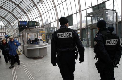 """Nach """"böswilligem Anruf"""" – Bahnhof muss evakuiert werden"""