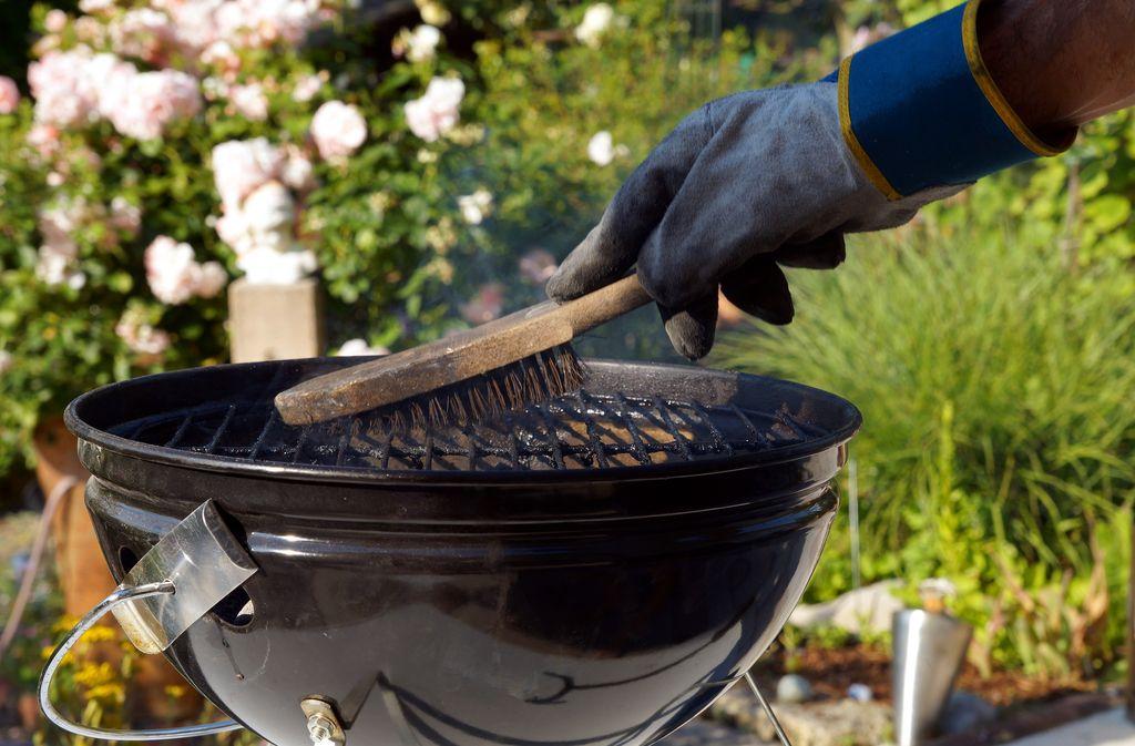 Grillrost reinigen: Hausmittel und Tipps Foto: Imagesines/Shutterstock