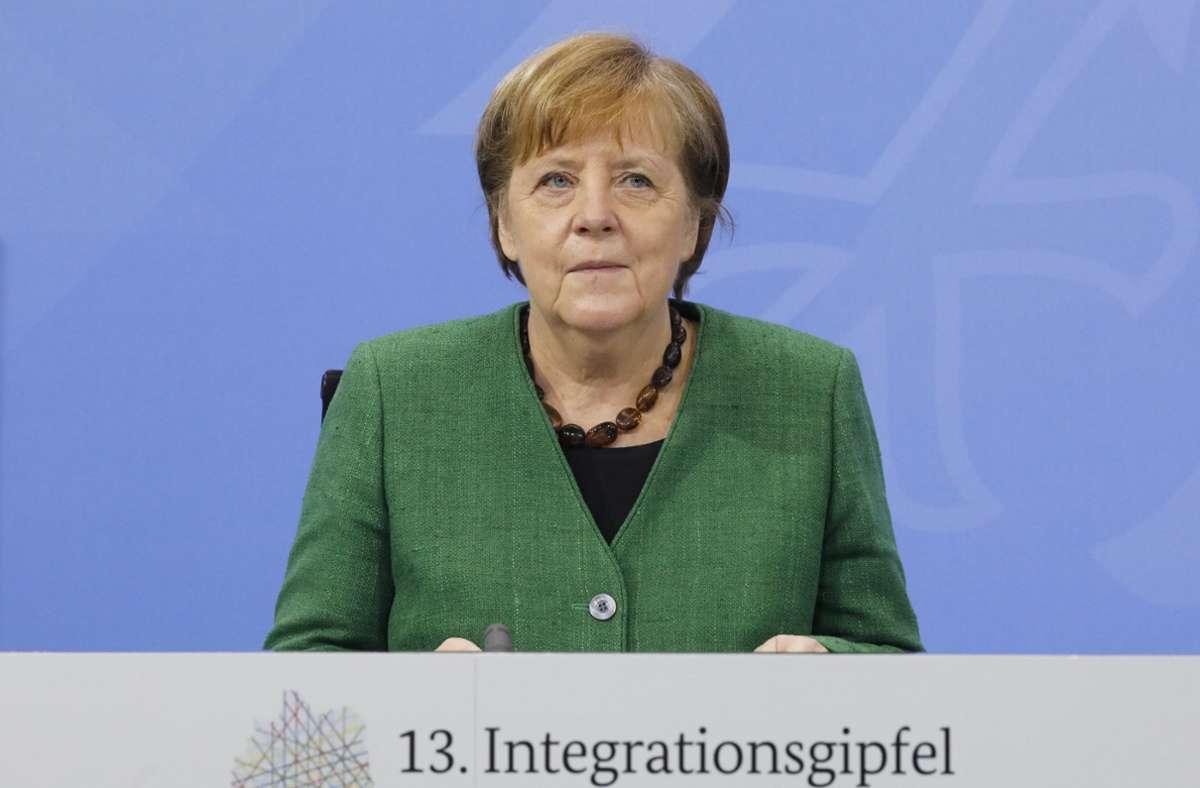 Merkel erinnerte unter anderem an die Taten der nationalsozialistischen Terrorzelle NSU und den Anschlag von Hanau. Foto: dpa/Markus Schreiber