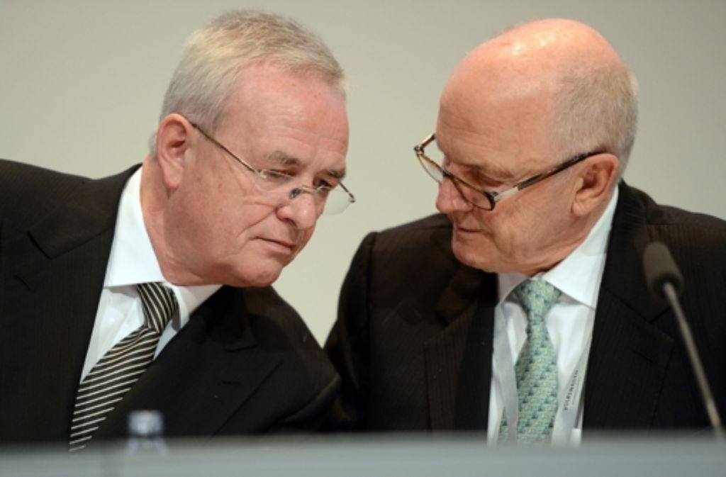 Der Aufsichtsratsvorsitzende der Volkswagen AG, Ferdinand Piech (rechts), und der Vorstandsvorsitzende der Volkswagen AG, Martin Winterkorn. Foto: dpa