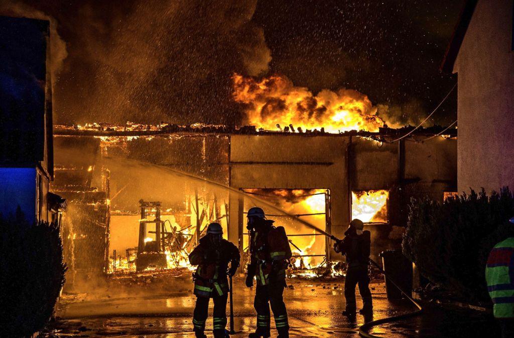 Ein Schaden von rund 1,2 Millionen Euro ist bei dem Brand in Kirchberg-Frühmesshof im September entstanden. Foto: SDMG/ Kohls