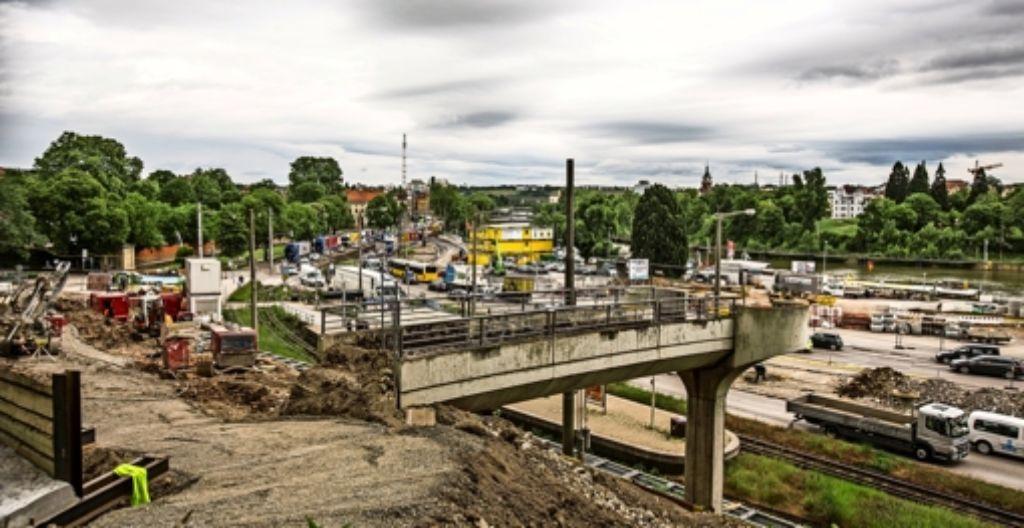 Eine Baustelle, so weit das Auge reicht: der derzeitige Blick in Richtung Wilhelma und Neckartalstraße Foto: Lichtgut/Leif Piechowski