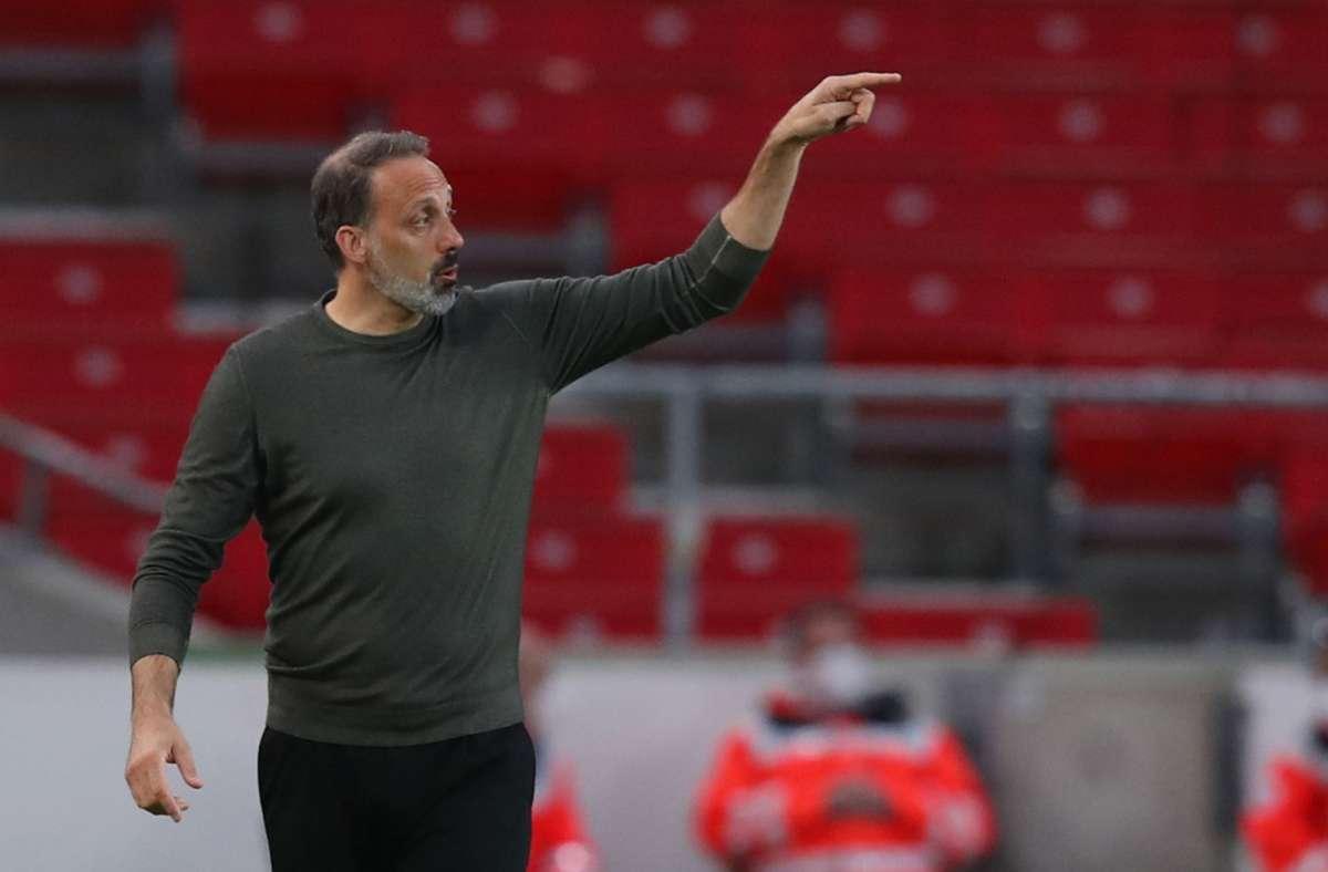 Pellegrino Matarazzo und der VfB Stuttgart haben gegen Borussia Dortmund 2:3 verloren. Foto: dpa/Tom Weller