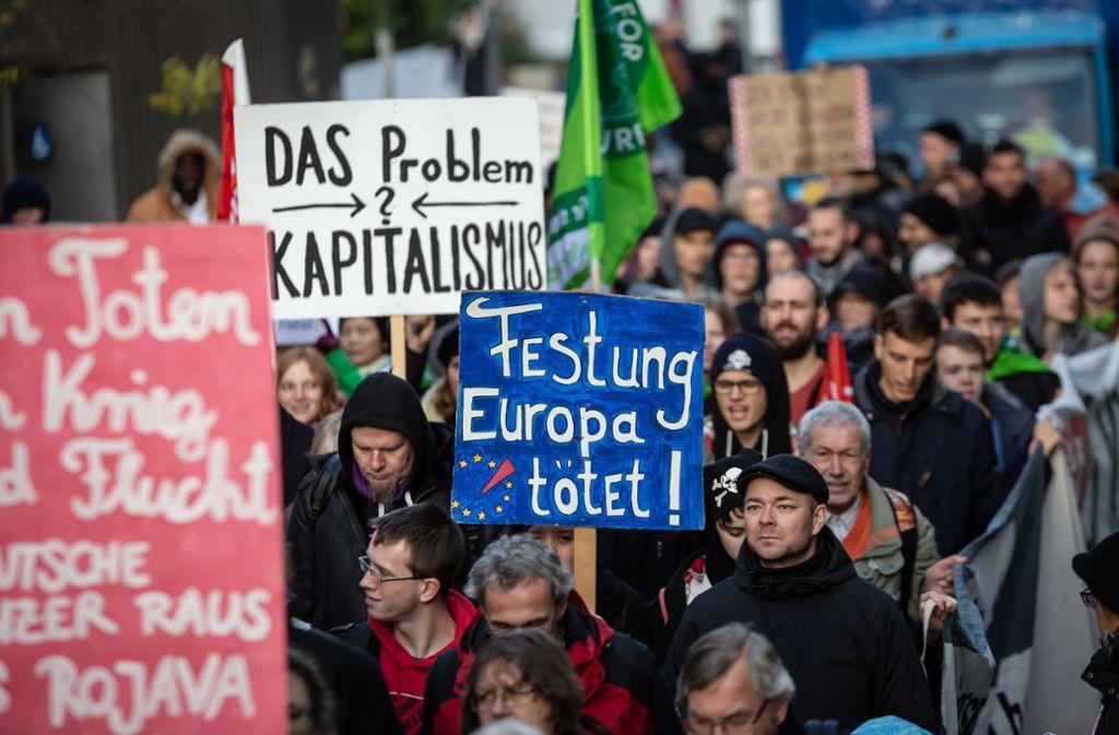 Die Demonstranten hatten eine klare Meinung. Foto: Lichtgut/Julian Rettig
