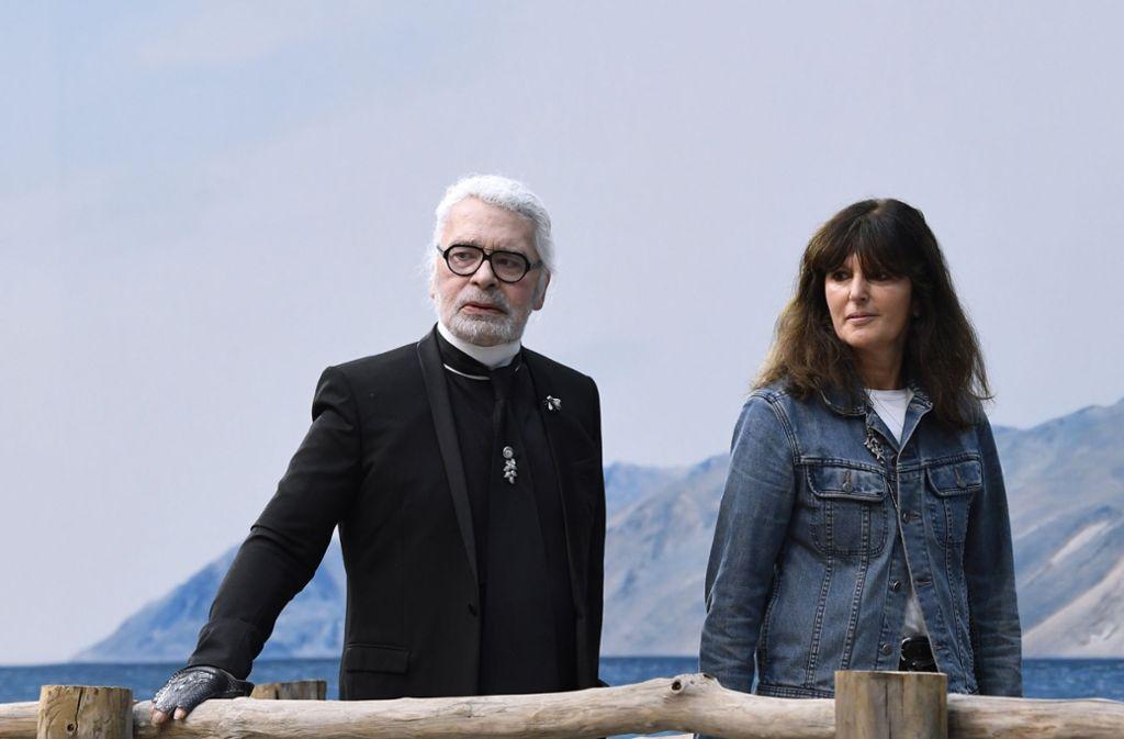 Karl Lagerfeld und Virginie Viard arbeiteten 30 Jahre lang zusammen. Foto: AFP