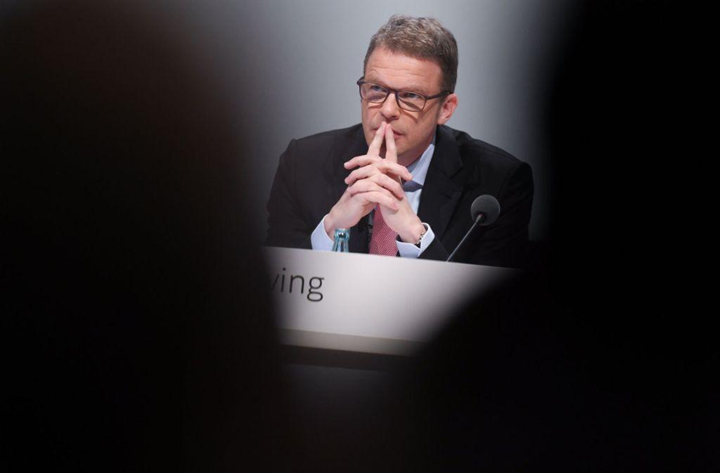 Vorstandschef Christian Sewing verteidigt den Stellenabbau bei der Deutschen Bank. Foto: dpa