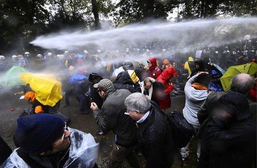 Über den Polizeieinsatz war Stefan Mappus laut den Mails regelmäßig informiert. Foto: AP