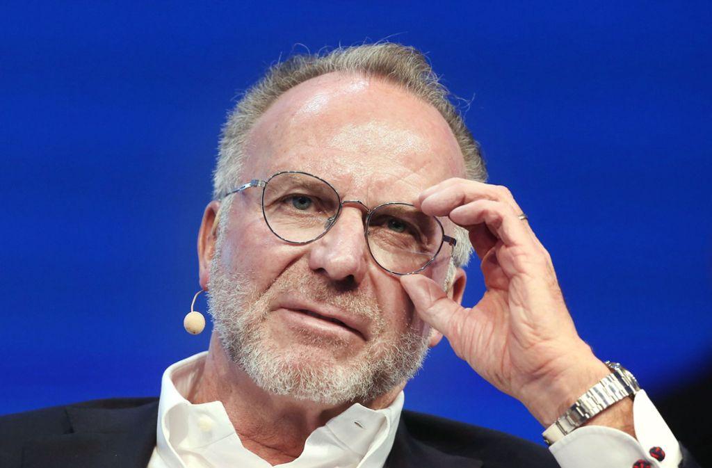 Vielen großen Vereinen könnte die Liquidität für große Transfers fehlen, sagt Karl-Heinz Rummenigge. Foto: dpa/Roland Weihrauch