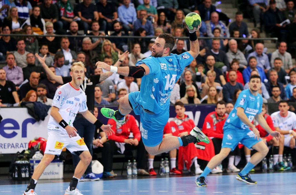 Hohe Niederlage für die Handballer des TVB Stuttgart in den blauen Trikots. Foto: Pressefoto Baumann