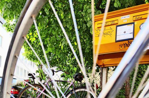 Grüne fordern mehr Radstellplätze statt Parkplätzen