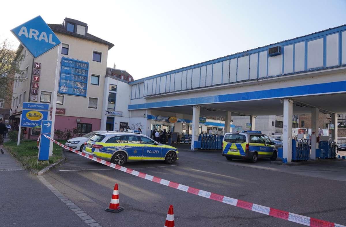 Die Polizei war am Ostersonntag in Bad Cannstatt im Einsatz. Foto: Andreas Rosar/Fotoagentur-Stuttg