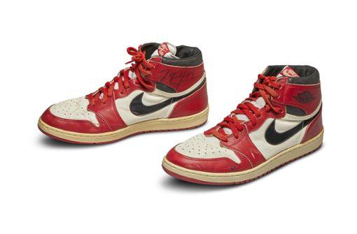 Schuhe von Basketball-Legende für über 500.000 Dollar versteigert