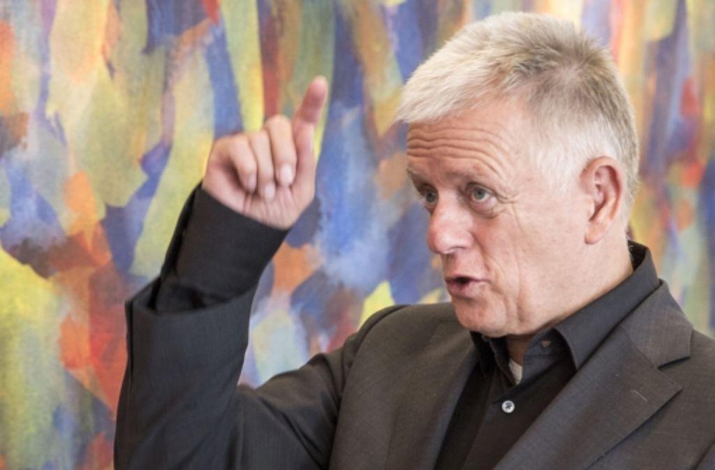 OB Fritz Kuhn hat sich zu den Sondierungsgesprächen zwischen Bahnd und Land geäußert. Die Stadt wird nicht teilnehmen. Foto: Lichtgut/Leif Piechowski