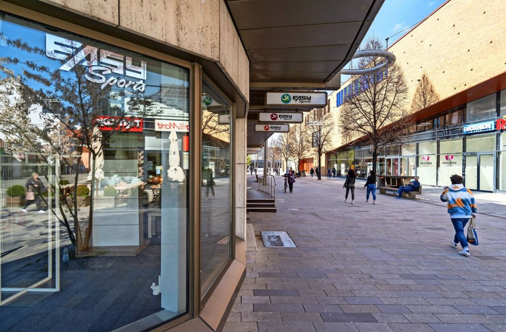 Leerstand in der Böblinger Bahnhofstraße: Easy Sports ist weg. Foto: factum/Jürgen Bach