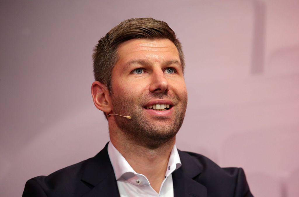 VfB-Nachwuchschef Thomas Hitzlsperger hält viel von der aktuellen A-Jugend der Weiß-Roten. Foto: Pressefoto Baumann