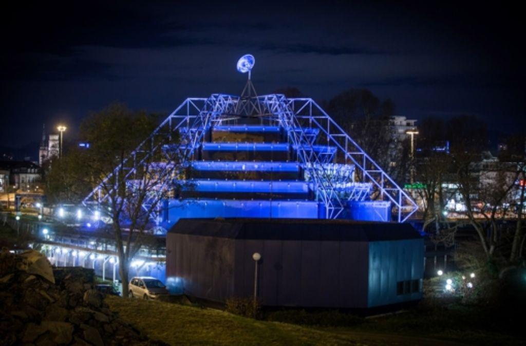 Voraussichtlich erst im Frühjahr kann man unter der denkmalgeschützten Kuppel des Stuttgarter Planetariums  wieder in die Sterne schauen. Foto: Lichtgut/Achim Zweygarth